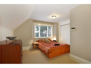"""Photo 5: 242 E 23RD Avenue in Vancouver: Main House for sale in """"MAIN"""" (Vancouver East)  : MLS®# V996039"""