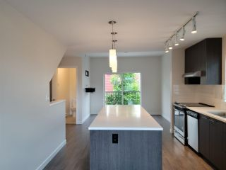 Photo 3: 122 32633 SIMON Avenue in Abbotsford: Abbotsford West Townhouse for sale : MLS®# R2585257