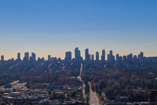 """Photo 40: 4202 4485 SKYLINE Drive in Burnaby: Brentwood Park Condo for sale in """"ALTUS AT SOLO"""" (Burnaby North)  : MLS®# R2316432"""