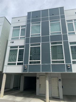 Photo 2: 1 3814 Parkhill Place SW in Calgary: Parkhill Row/Townhouse for sale : MLS®# A1121191