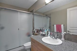Photo 19: 34 Crestmont Drive SW in Calgary: Crestmont Detached for sale : MLS®# A1119055