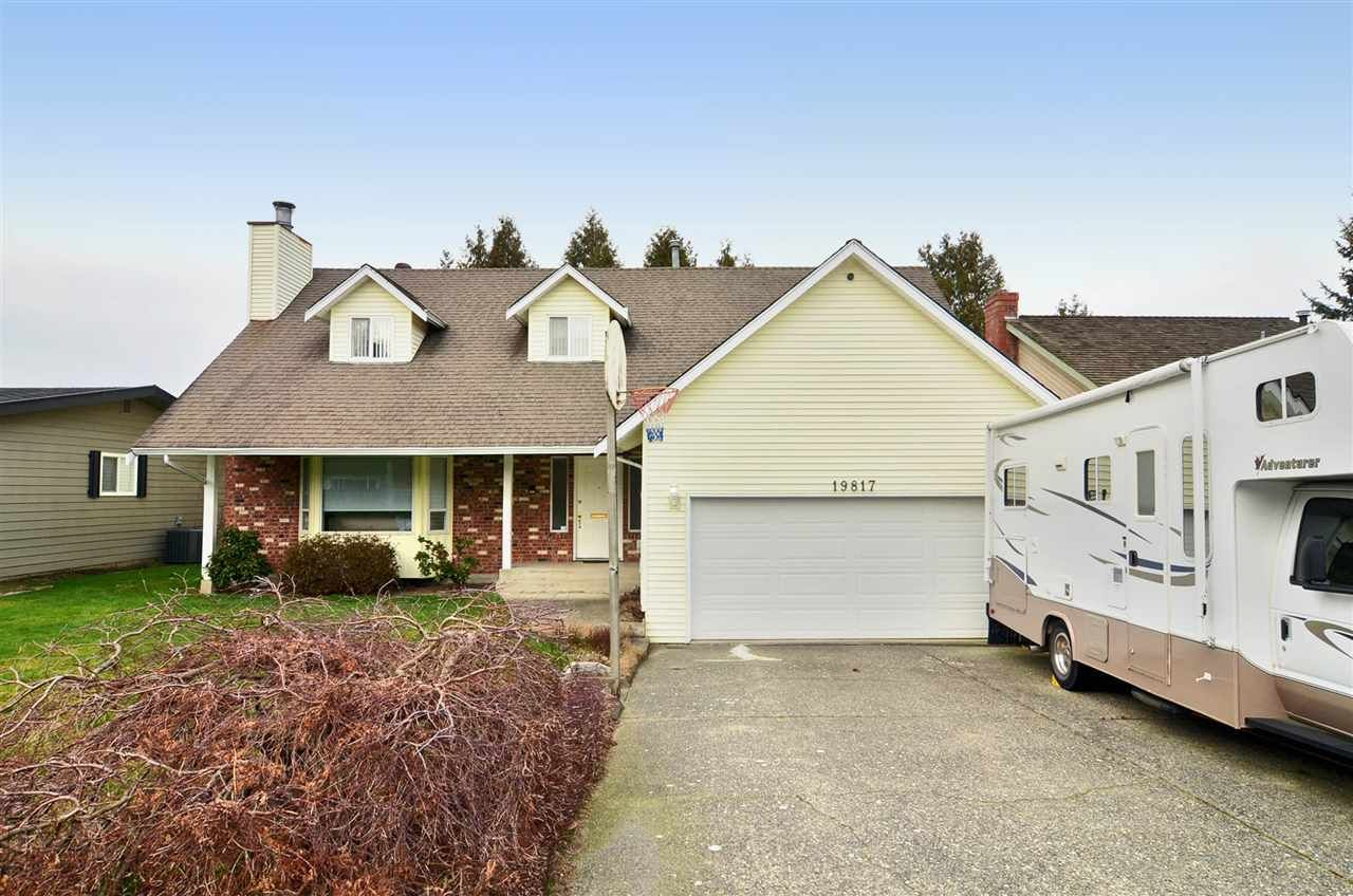 Photo 1: Photos: 19817 48A AVENUE in Langley: Langley City House for sale : MLS®# R2248083