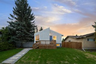 Photo 2: 5832 Silver Ridge Drive NW in Calgary: Silver Springs Detached for sale : MLS®# A1142837