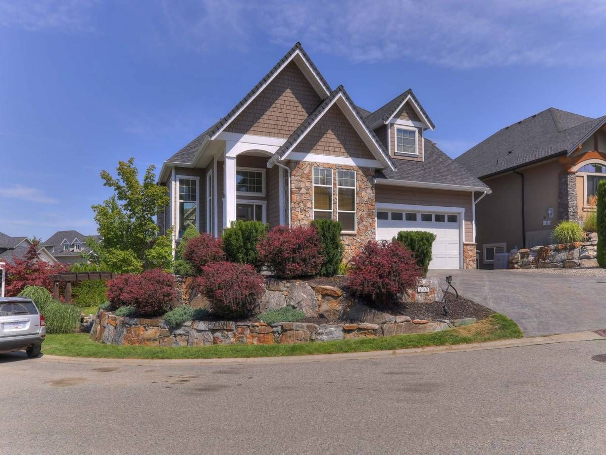 Main Photo: 102-515 Wren Place, Kelowna, BC, V1W 5H7 in Kelowna: House for sale : MLS®# 10164526