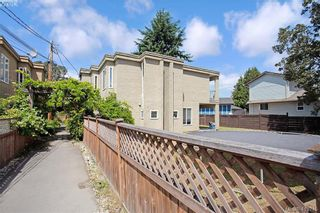 Photo 3: A 2974 Pickford Rd in VICTORIA: Co Hatley Park Half Duplex for sale (Colwood)  : MLS®# 819516