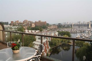 """Photo 4: 759 1515 W 2ND Avenue in Vancouver: False Creek Condo for sale in """"ISLAND COVER"""" (Vancouver West)  : MLS®# R2195310"""