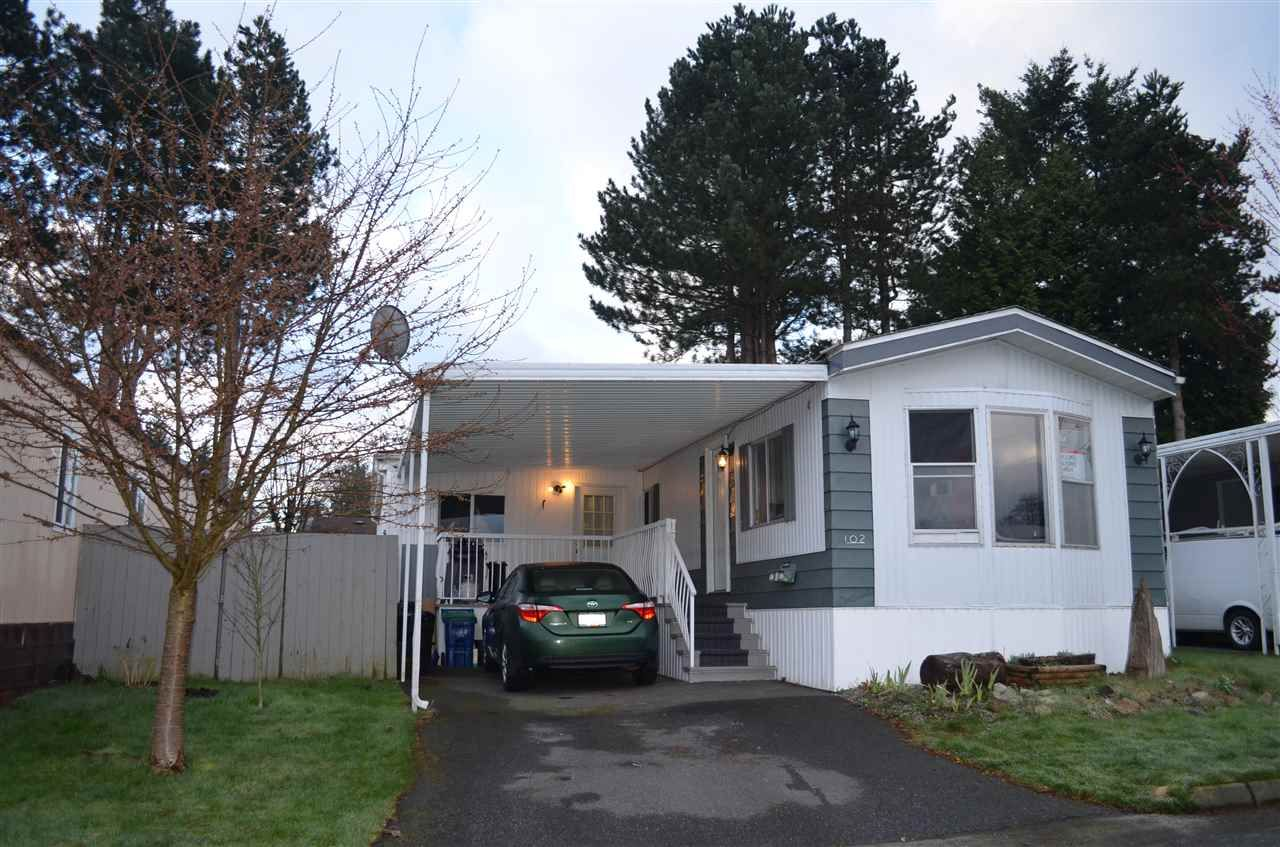 """Main Photo: 102 8224 134 Street in Surrey: Queen Mary Park Surrey Manufactured Home for sale in """"WESTW00D GATE"""" : MLS®# R2249343"""