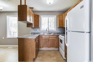 Photo 8: 2 Gray Avenue in Saskatoon: Forest Grove Residential for sale : MLS®# SK859432