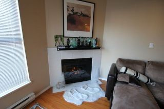 """Photo 8: 404 509 CARNARVON Street in New Westminster: Downtown NW Condo for sale in """"HILLSIDE PLACE"""" : MLS®# R2226244"""