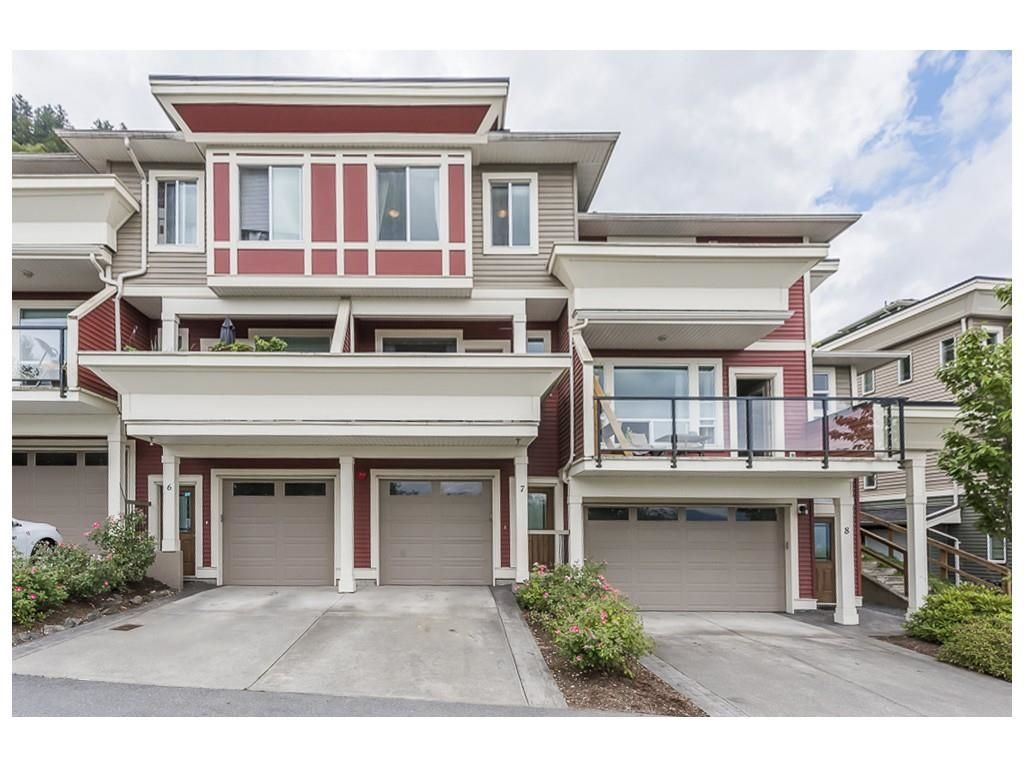 Main Photo: 7 47315 SYLVAN Drive in Chilliwack: Promontory Townhouse for sale (Sardis)  : MLS®# R2604143