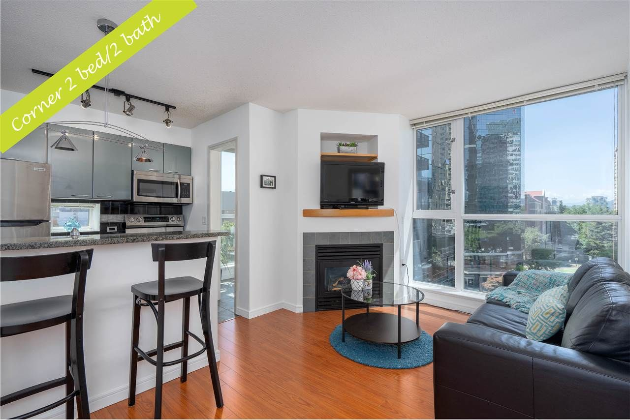 """Main Photo: 1106 1068 HORNBY Street in Vancouver: Downtown VW Condo for sale in """"The Canadian at Wall Centre"""" (Vancouver West)  : MLS®# R2485432"""