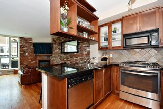 """Photo 10: 106 2515 ONTARIO Street in Vancouver: Mount Pleasant VW Condo for sale in """"ELEMENTS"""" (Vancouver West)  : MLS®# R2385133"""