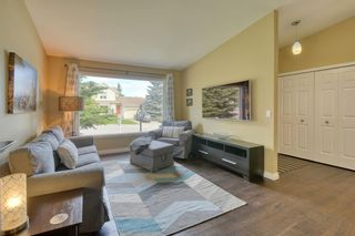Photo 5: 104 Stratton Hill Rise SW in Calgary: Strathcona Park Detached for sale : MLS®# A1120413