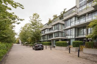 """Photo 2: 614 9009 CORNERSTONE Mews in Burnaby: Simon Fraser Univer. Condo for sale in """"THE HUB"""" (Burnaby North)  : MLS®# R2386947"""