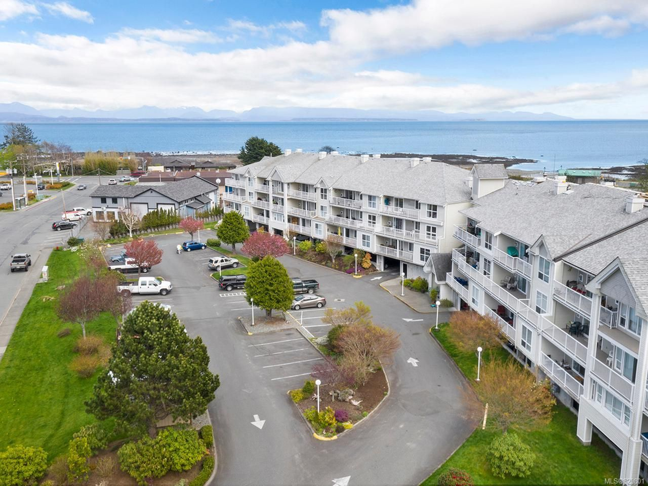 Photo 24: Photos: 311 155 Erickson Rd in CAMPBELL RIVER: CR Willow Point Condo for sale (Campbell River)  : MLS®# 829801