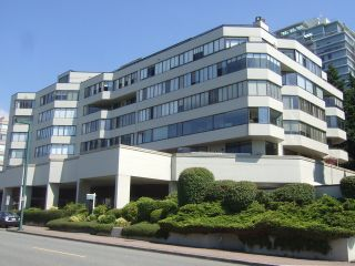 "Photo 1: 204 1480 FOSTER Street: White Rock Condo for sale in ""WHITE ROCK SQUARE 1"" (South Surrey White Rock)  : MLS®# F1401330"