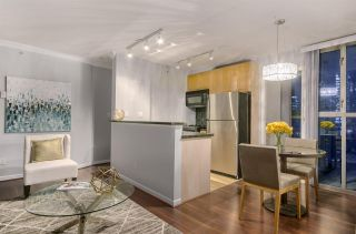 """Photo 6: 1203 928 RICHARDS Street in Vancouver: Yaletown Condo for sale in """"The Savoy"""" (Vancouver West)  : MLS®# R2123368"""