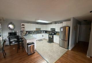 Photo 4: 9320 128 Ave in Edmonton: House Duplex for sale : MLS®# E4241336