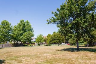 Photo 39: 1736 Foul Bay Rd in : Vi Jubilee House for sale (Victoria)  : MLS®# 860818