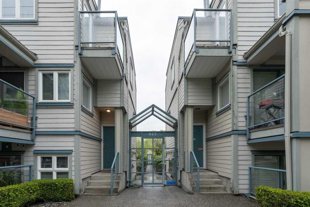 """Main Photo: 107 643 W 7TH Avenue in Vancouver: Fairview VW Condo for sale in """"COURTYARDS"""" (Vancouver West)  : MLS®# R2451739"""