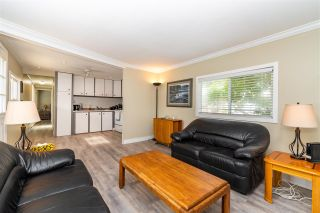 """Photo 6: 28 3942 COLUMBIA VALLEY Road: Cultus Lake Manufactured Home for sale in """"Cultus Lake Village"""" : MLS®# R2589511"""