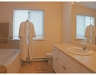 Photo 6: 8 MOSSOM CREEK Drive in Port_Moody: North Shore Pt Moody 1/2 Duplex for sale (Port Moody)  : MLS®# V762195