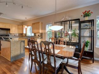 Photo 5: 2288 Selwyn Rd in Langford: La Thetis Heights House for sale : MLS®# 886611
