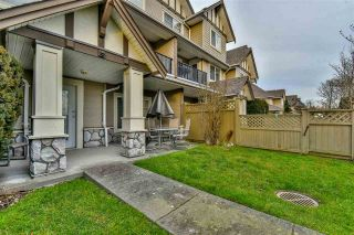 "Photo 4: 3 18181 68 Avenue in Surrey: Cloverdale BC Townhouse for sale in ""MAGNOLIA"" (Cloverdale)  : MLS®# R2141372"