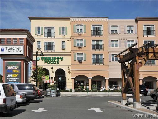 Main Photo: 404 1620 McKenzie Ave in VICTORIA: SE Lambrick Park Condo for sale (Saanich East)  : MLS®# 706085