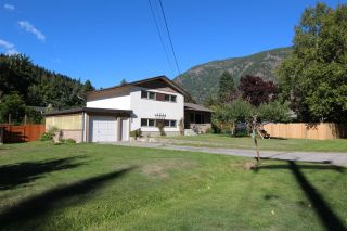 Photo 6: 2545 COLEVIEW ROAD in Castlegar: House for sale : MLS®# 2461138