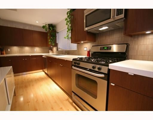 Photo 6: Photos: 3153 W 3RD Avenue in Vancouver: Kitsilano 1/2 Duplex for sale (Vancouver West)  : MLS®# V771650
