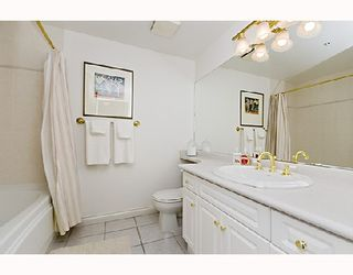 """Photo 10: 504 2580 TOLMIE Street in Vancouver: Point Grey Condo for sale in """"POINT GREY PLACE"""" (Vancouver West)  : MLS®# V743763"""