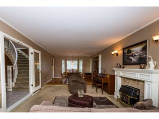 Photo 5: 14325 85A Avenue in Surrey: Bear Creek Green Timbers House for sale : MLS®# R2077182
