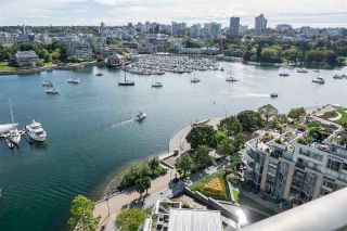 """Photo 9: 1902 1228 MARINASIDE Crescent in Vancouver: Yaletown Condo for sale in """"Crestmark II"""" (Vancouver West)  : MLS®# R2582919"""