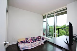 """Photo 10: 807 10777 UNIVERSITY Drive in Surrey: Whalley Condo for sale in """"City Point"""" (North Surrey)  : MLS®# R2593090"""