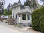 Main Photo: 5706 BUTLER ST in Summerland: House for sale : MLS®# X5340464