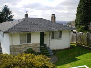 Photo 11: 909 E Keith Rd. in North Vancouver: Calverhall House for sale : MLS®# V884429