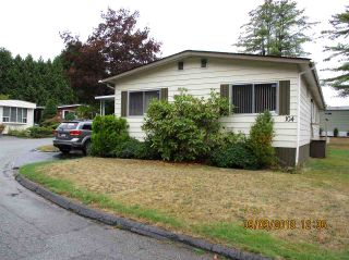"Photo 1: 104 7850 KING GEORGE Boulevard in Surrey: East Newton Manufactured Home for sale in ""BEAR CREEK GLEN"" : MLS®# R2306546"
