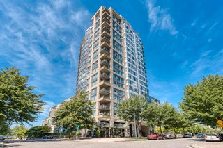 """Photo 2: 705 1383 MARINASIDE Crescent in Vancouver: Yaletown Condo for sale in """"COLUMBUS"""" (Vancouver West)  : MLS®# R2594508"""