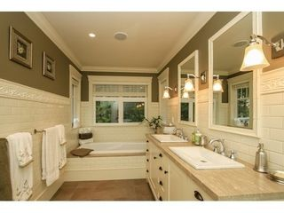 Photo 13: 638 HILLCREST Street in Coquitlam: Home for sale : MLS®# V1109900