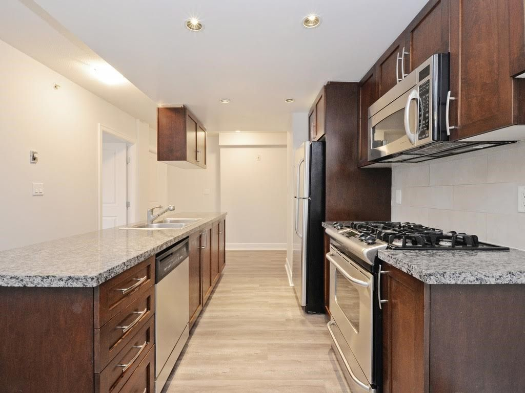 """Photo 5: Photos: 403 3811 HASTINGS Street in Burnaby: Vancouver Heights Condo for sale in """"MONDEO"""" (Burnaby North)  : MLS®# R2119090"""