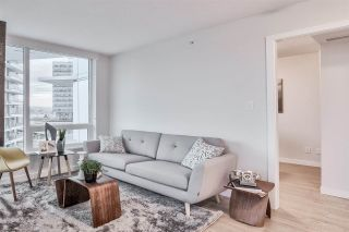 """Photo 4: 705 8238 LORD Street in Vancouver: Marpole Condo for sale in """"NORTHWEST"""" (Vancouver West)  : MLS®# R2427094"""
