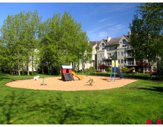 "Photo 2: 305 12155 75A Avenue in Surrey: West Newton Condo for sale in ""STRAWBERRY HILLS ESTATES"" : MLS®# F2823512"
