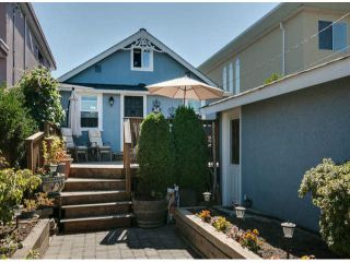 "Photo 15: 15570 VICTORIA Avenue: White Rock House for sale in ""East Beach - White Rock"" (South Surrey White Rock)  : MLS®# F1319657"
