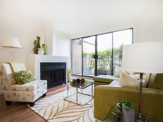 """Photo 1: 104 811 W 7TH Avenue in Vancouver: Fairview VW Townhouse for sale in """"WILLOW MEWS"""" (Vancouver West)  : MLS®# V1110537"""