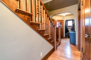 Photo 2: 1422 HAMILTON Street in New Westminster: West End NW House for sale : MLS®# R2347834