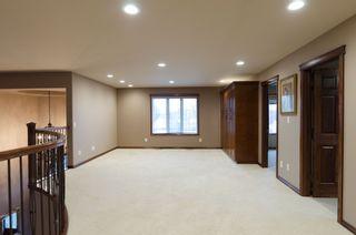 Photo 43: 71 McDowell Drive in Winnipeg: Charleswood Residential for sale (South Winnipeg)  : MLS®# 1600741