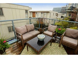 """Photo 12: 213 643 W 7TH Avenue in Vancouver: Fairview VW Townhouse for sale in """"THE COURTYARDS"""" (Vancouver West)  : MLS®# V1059098"""