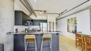 """Photo 7: 509 27 ALEXANDER Street in Vancouver: Downtown VE Condo for sale in """"ALEXIS"""" (Vancouver East)  : MLS®# R2505039"""