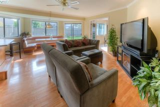 Photo 10: 1825 Knutsford Pl in VICTORIA: SE Gordon Head House for sale (Saanich East)  : MLS®# 782559